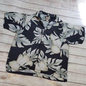 🌵Send an offer🌵 Tommy Bahama 100% silk shirt